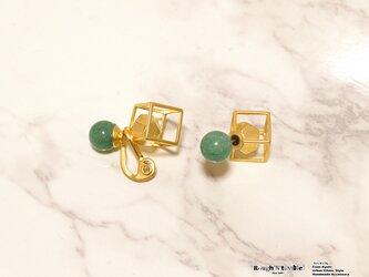 Cube catch pierce Gold×aventurine (片耳販売)の画像