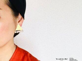 Big triangle pierce pearl fringe(片耳販売)の画像