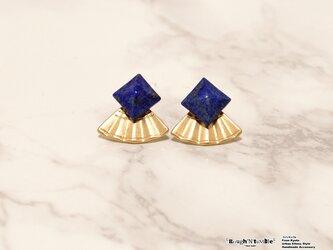 Pyramid stone 扇 pierce lapis lazuliの画像