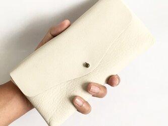 【夏の新色】牛シュリンクレザーと牛床ベロアのシンプル長財布[オフホワイト]の画像