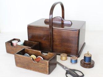 趣味を収納 アンティーク仕上げの『ふた付きソーイングボックス』No.1923の画像