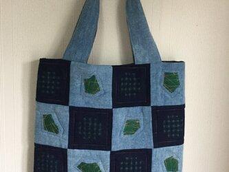 藍染め布ぺたんこバック 市松模様 リネン 綿 段染め糸ミシンキルトの画像