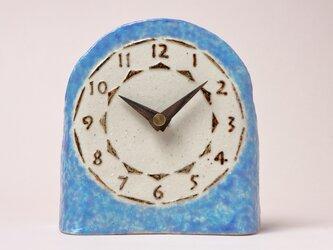 青色の置き時計 (陶製木製針)の画像