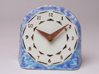 青色の置き時計_漣 (陶製木製針)の画像