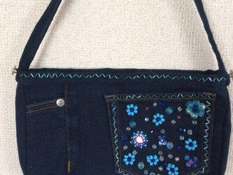 ビーズ刺繍のデニムバッグの画像