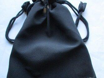 4379 #送料無料 黒の着物で作った巾着袋の画像
