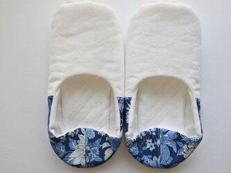 ルームシューズ バブーシュ スリッパ 夏の花 ブルー・ネイビー・ホワイト コットン リネン Bの画像