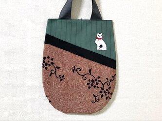浮世絵刺繍バッグ*歌川国芳「猫飼好五十三疋・鞠子」の猫の画像