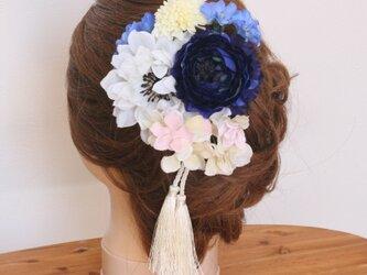 和スタイル藍色と白のお花の髪飾りの画像