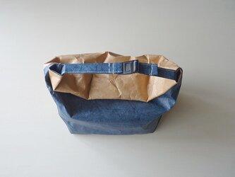 防水 紙袋そっくりなランチバック 青×茶の画像
