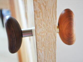 木製ドアノブ/2個/コーヒー豆型 HS-CM チーク/チェリー/オールナット【 選べる2個セット】の画像