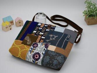 ショルダーpouch 刺繍の画像