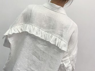 en-en ・リネン背フリルシャツ・オフホワイト(羽織にも)の画像