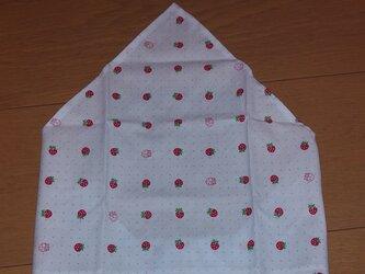 ハンドメイド 子供用三角巾 イチゴ柄 水色  の画像