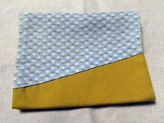 ポケットティッシュケース~ブルー小花柄~の画像