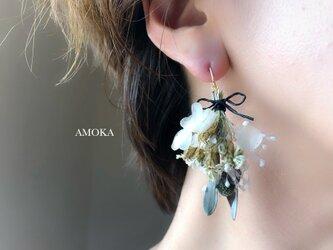 14kgf swag ブランシュ 紫陽花とかすみ草のピアス/イヤリングの画像