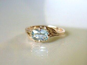 天然アクアマリンとリーフのK10の指輪の画像