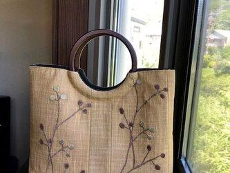 夏帯小花刺繍柄の手提げ 丸い木の手Bの画像
