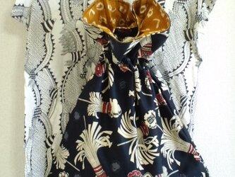 帆布の巾着バッグの画像
