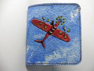 革二つ折り財布 「飛行機」にのる黒猫の画像
