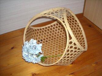 六つ目編み三輪縁バスケットの画像