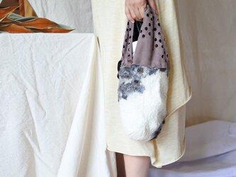 bag 【peanuts】〜feltと革のミニバッグ〜 ダークブラウン×ホワイトの画像