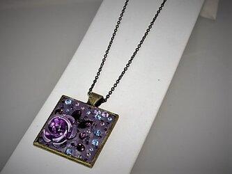 【ジュエルDeCoRe】四角シンプル・薔薇・ラベンダー(金古美)の画像