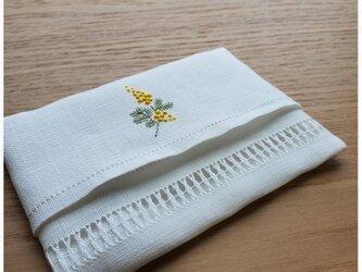 ミモザの刺繍 リネンポケットティッシュケースの画像