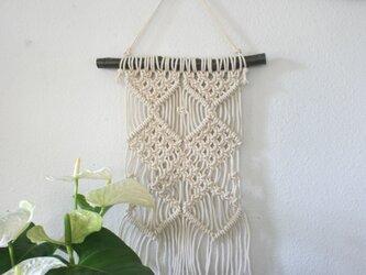 マクラメ編みタペストリー~ちょっと太めの桜の枝とコットン生成り糸(#70)で♪の画像