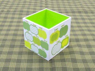 りんごのペン立て(水玉・緑)の画像