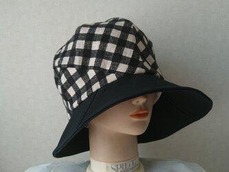 魅せる帽子☆ふんわり♪大きめサイズのリバーシブルクロッシュ~ブラック&チェックの画像