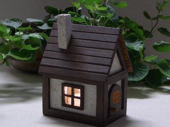 ハンドメイド★キャンドルライトを使った小さな家のランプ山小屋風★の画像