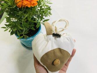 KIDS80-100 リネン100% ウサギの巾着ポッケのスモック  白×ベージュの画像