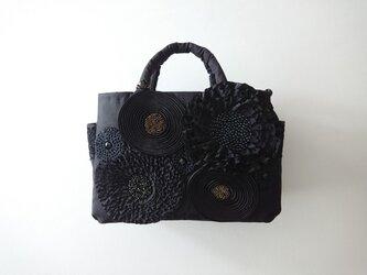 black ribbon flower standard bagの画像
