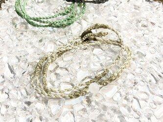 新色追加!一粒天然石のマクラメ編みブレスレット【鼓動】アイボリー系・ムーンストーンの画像