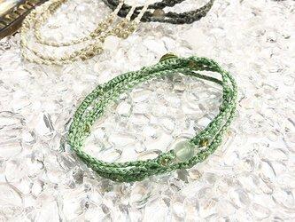 新色追加!一粒天然石のマクラメ編みブレスレット【鼓動】グリーン系・プレナイトの画像