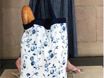 コンパクト Bigおかいのもかばん ブルーフラワーの画像