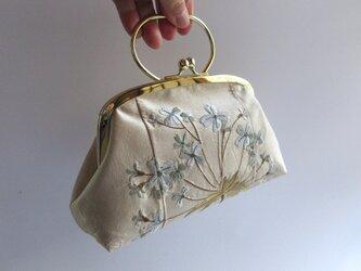 アジサイの刺繍・がま口型ポーチバッグ・ブルー(フランス製)の画像