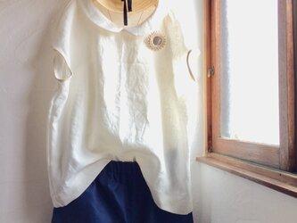 リネン100 丸襟 フレンチスリーブブラウス オフホワイトの画像