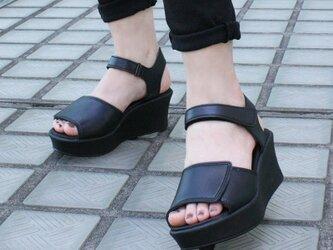 マジックテープで楽ちん!厚底サンダル (EVERY) 靴 日本製 国産素材 【納期5~40日】の画像