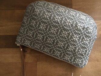 pouch[手織りポーチ] ベージュ×シルバーベージュの画像