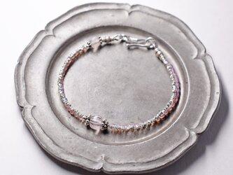 グーズベリーとオパールピンクビーズ、煌めくカレンシルバーの2連ブレス(再販)の画像