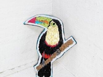 キムネオオハシちゃん*刺繍ブローチの画像