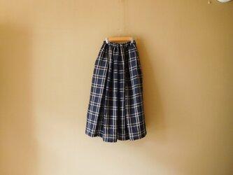 リネンのスカート ネイビーチェックの画像