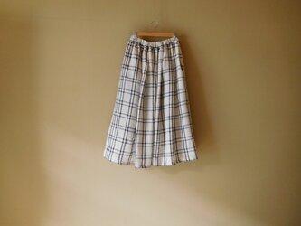 リネンのスカート きなりチェックの画像