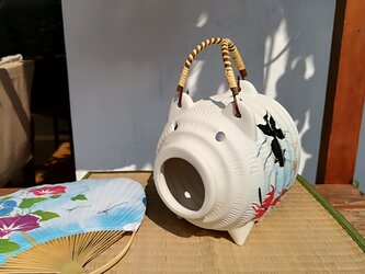 蚊取り豚<金魚柄3>の画像