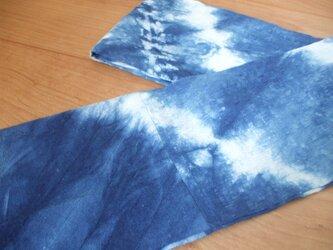 藍しぼり染めのストール 木綿の画像
