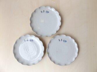 りす 輪花小皿の画像