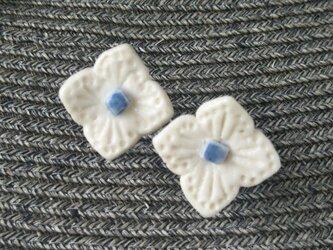 白い花 イヤリング ピアスの画像