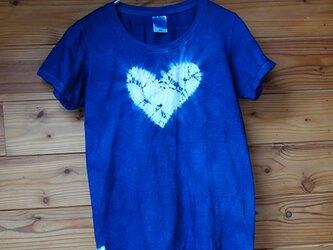 ハートの藍染Tシャツの画像